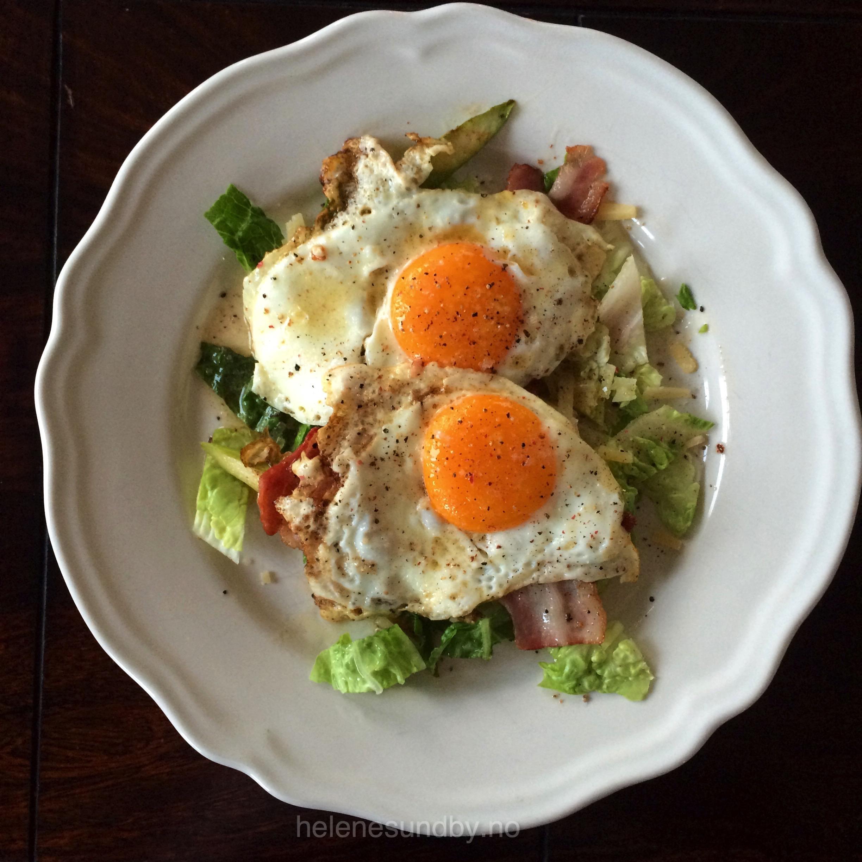 Egg og bacon frokost sunt